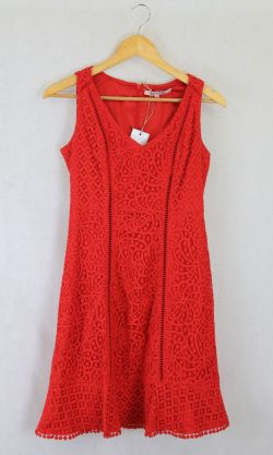 Review Red Lace dress 8